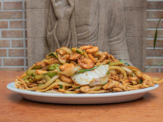 Chow Mein con Pollo