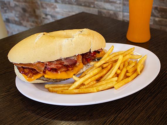 Combo bacon - Sándwich de hamburguesa bacon + bebida + papas fritas