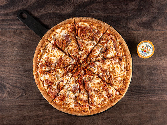 Pizza american meats familiar