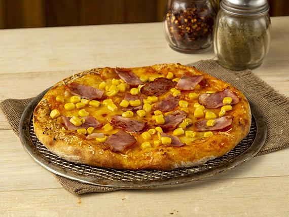 Pizza Tocineta y Maicitos
