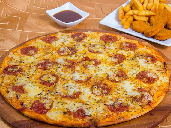 Promoción 6 - Pizza pepperoni mediana (32 cm) + Nuggets de pollo (5 unidades) + Papas fritas + Gaseosa línea Pepsi 1.5 L