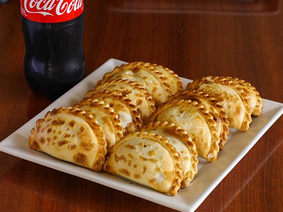 Promo - 12 empanadas + refresco Coca Cola 1.5 L