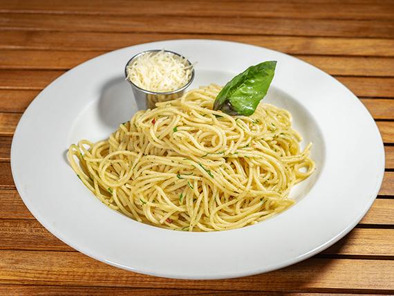 Spaghetti con salsa a elección