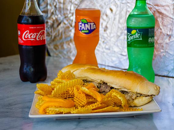 Combo 2 - Sándwich de milanesa de pollo en media baguette + porción de papas bastón medianas + cerveza en lata 500 ml
