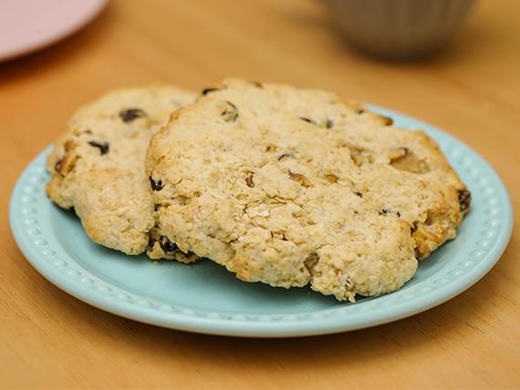 Cookies de avena, pasas y nueces
