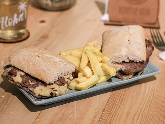 Sándwich churrasco Luco