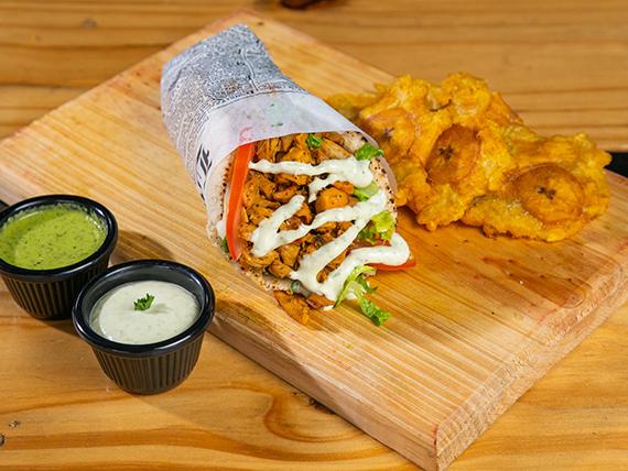 Combo Pita piloto -  gyro de pollo +  acompañamiento + salsa
