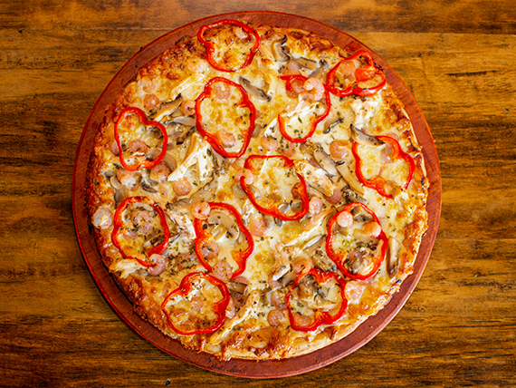 Pizza con camarón y pollo mediana