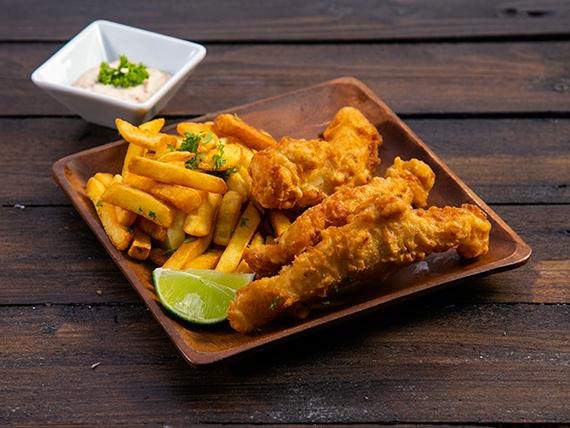 Fish and chips con salsa tártara
