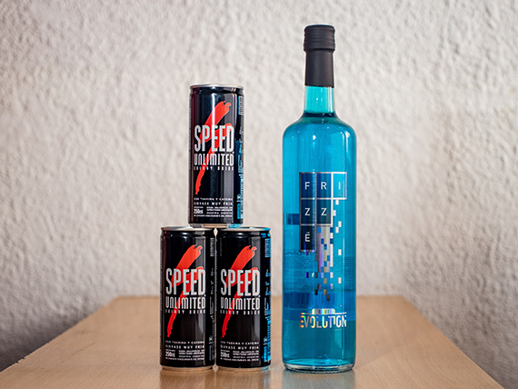 Promoción - Vino Frizzé Blue 750 ml + 3 energizantes Speed 250 ml