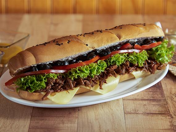 Sándwich de carne  con 5 ingredientes a elección