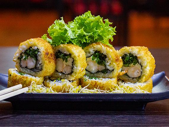 28 - Hot roll envueltos en panko rellenos de camarón, queso crema y cebollín (10 cortes)