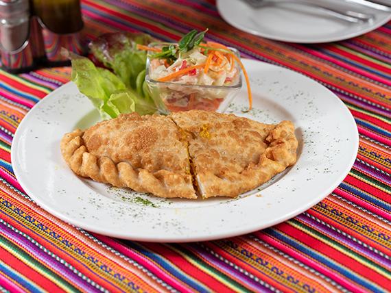 Empanada de queso con camarón