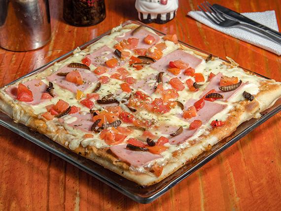 Pizza al jamón (32x32cm)
