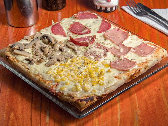 Pizza cuatro estaciones (32x32cm)