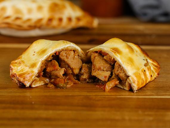 Empanada chopsuey de pollo - 30