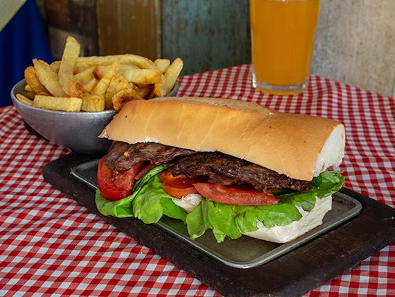 Sándwich de lomo + papas fritas
