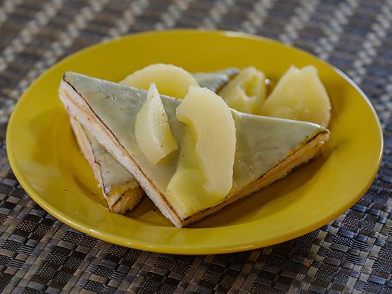 Sándwich agridulce con peras o ananá