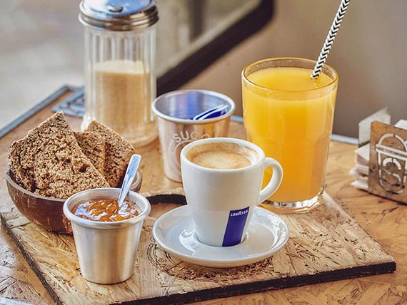 Desayuno - Café + tostadas + exprimido de naranja