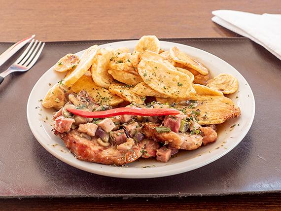 Costillitas de cerdo con salsa robert con papas españolas