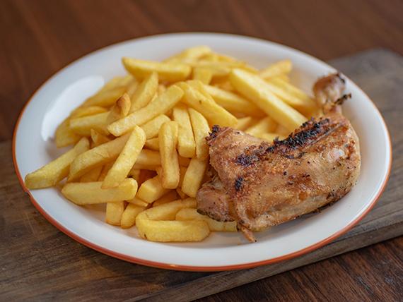 1/4 Pollo asado + Papas fritas