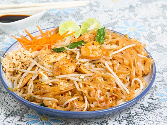 Pad Thai con pollo - Tailandia
