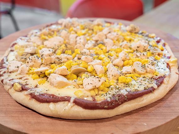 Pizza pollo vegetariano familiar