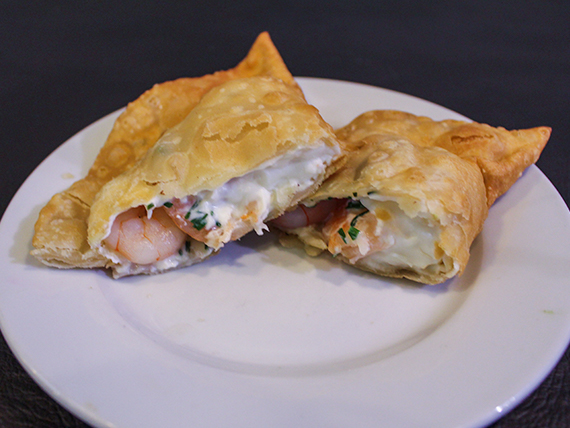 Empanada de camarón y queso