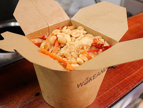 Wok C - Wok Thai, Vegetariano o Vegano - Base + proteína + 3 vegetales + salsa