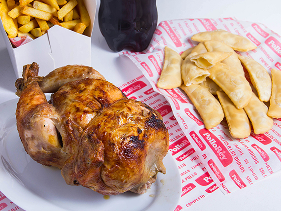 Promo - Pollo entero + papas fritas familiares + bebida 1.5 L + 12 empanadas de queso