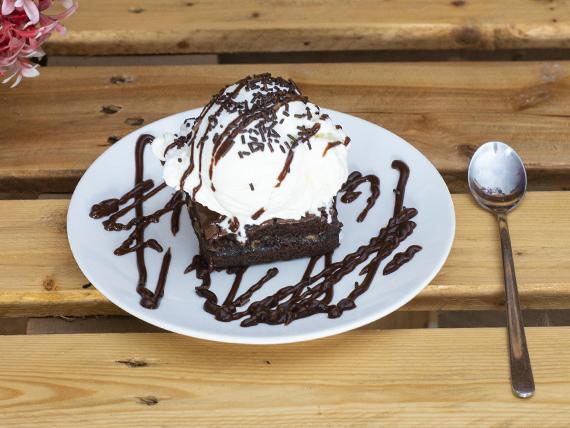 Brownie + Helado