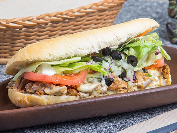 Sándwich de carne mechada clásico
