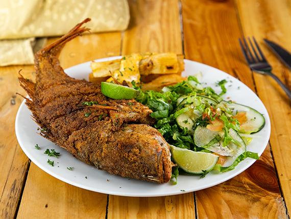 Filete de pescado al ajillo