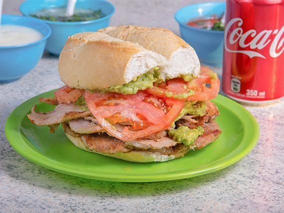 Sándwich de lomo italiano + bebida 350 ml