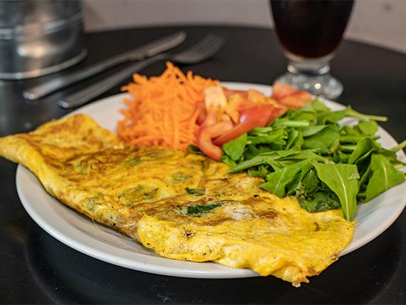 Omelette de pollo con ensalada de 3 ingredientes