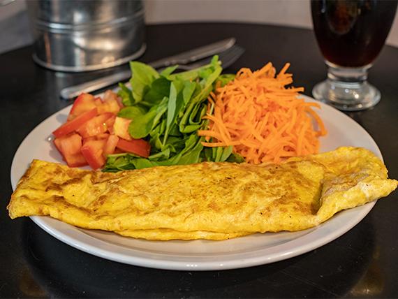 Omelette de jamón y queso con ensalada de 3 ingredientes
