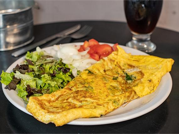 Omelette de mozzarella y verdeo con ensalada de 3 ingredientes