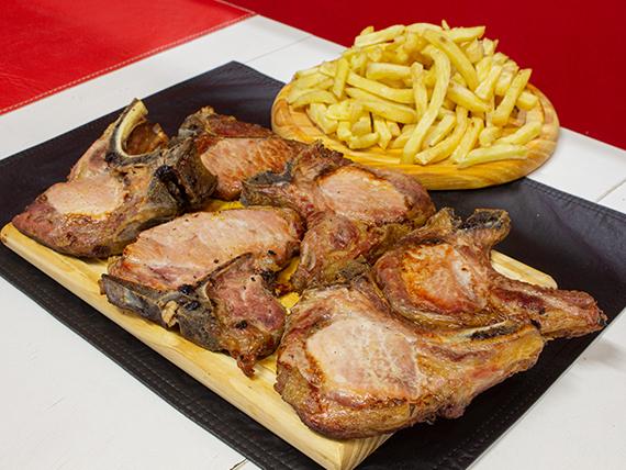 Costillitas de cerdo asadas con papas fritas (6 unidades)