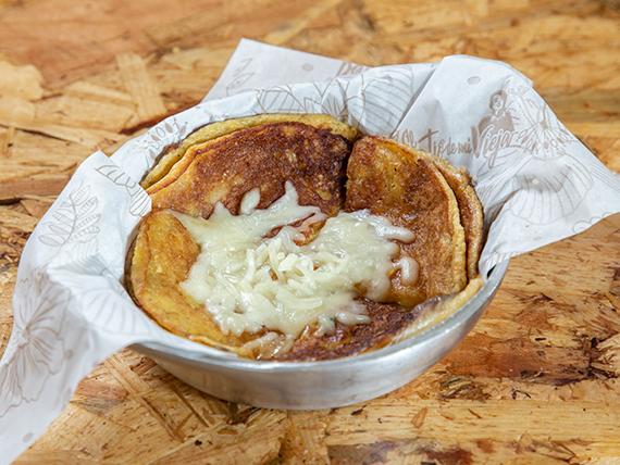 Tortillas de maíz nuevo con queso (2 unidades)