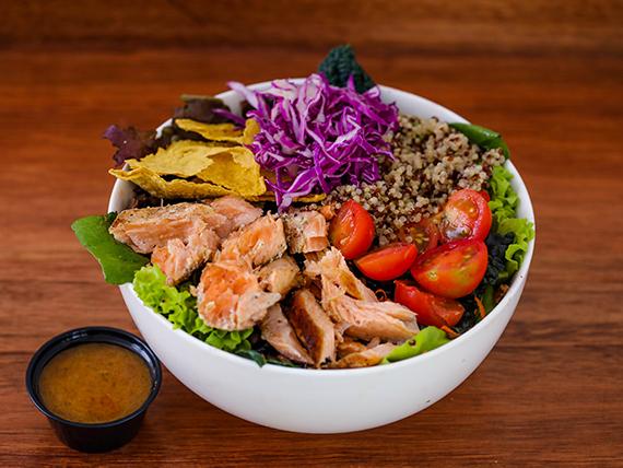 Club salmón salad