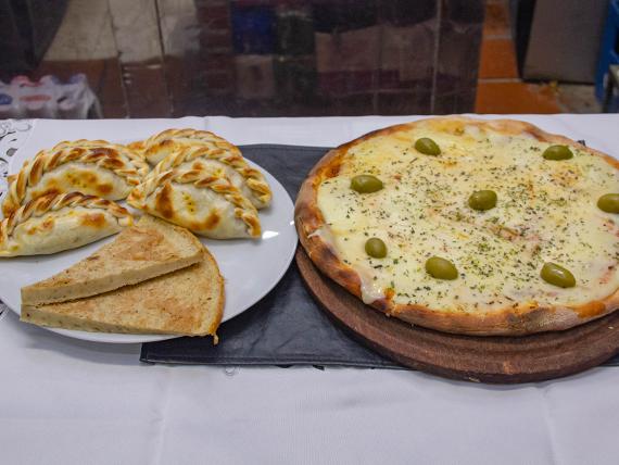 Promo 1 - Pizza con muzzarella + 6 empanadas + 2 fainá