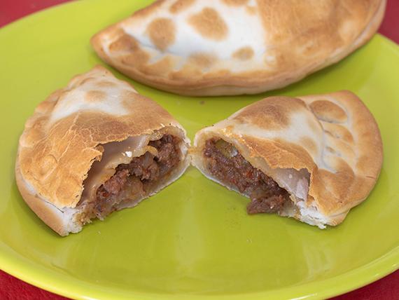 Empanada de carne dulce