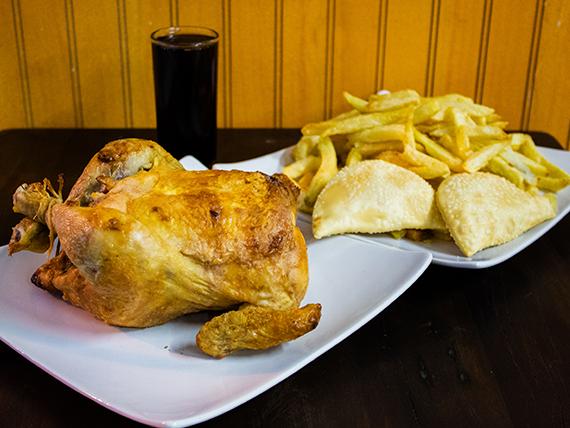 Oferta - Pollo asado + caja papas (familiar) + bebidas 1.5 L + 3 empanaditas de queso