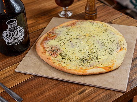 Combo - Pizza + growler de cerveza artesanal Brauer 2 L