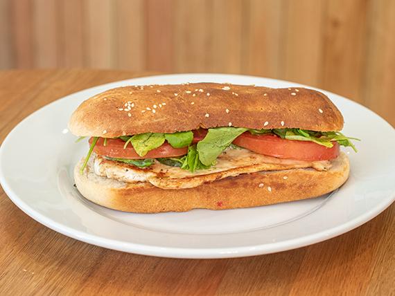 Sándwich de pollo al grill