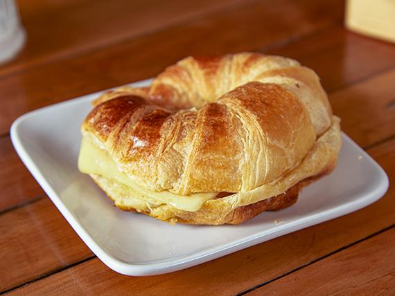 Croissant de pavo y queso