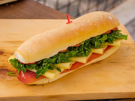 Sándwich serrano