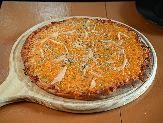 Pizzeta con cuatro quesos