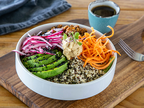 Quinoa vegan bowl