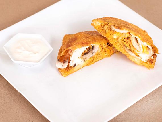 Arepa e´ Huevo con Pollo Desmechado y Champiñones